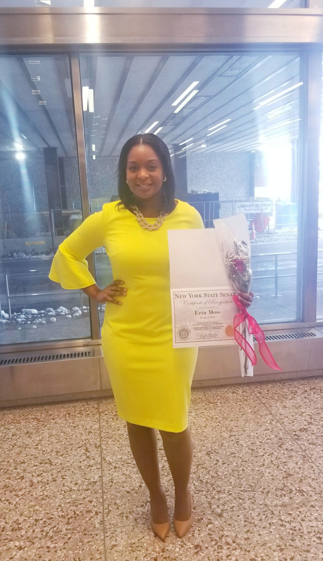 erin-receive-award-for-outstanding-woman